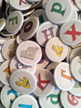Buchstaben Buttons von good old friends