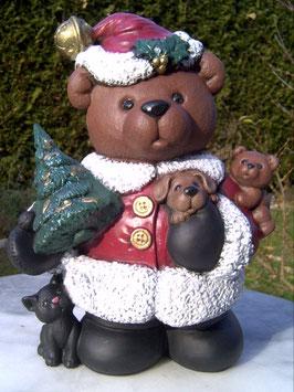 Weihnachtsbär Brauni  mit Tieren und Tanne