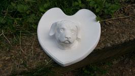 Herzschild mit Hundekopf
