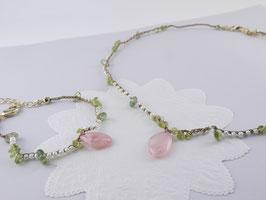 【今月の逸品】鈴蘭っぽいネックレスとブレスレット