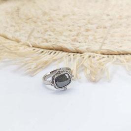 Ring witgoud met grijze fancy diamant en briljant geslepen diamant