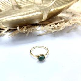 ring goud met cabuchon geslepen groene toermalijn