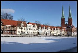 Dom im Winter, Motiv: 1222, in einem Rahmen mit Schattenfuge