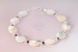 Facetten Perlmutt - Granat, Bergkristall Armband