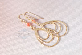 Leichte Ohrringe - mit kleiner Korallen Perle