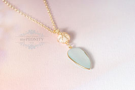 Perlmutt Perle  - Chalzedon Tropfen, Halskette vergoldet