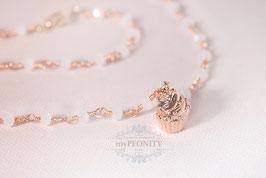 Cupcake - Anhänger Rose,  weiße Chalzedon Halskette