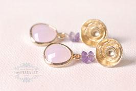 Rosen -  Amethyst und rosa Glas Ohrstecker