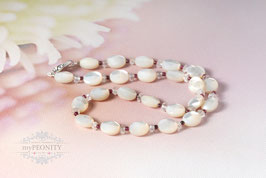 Facettierte Perlmutt - Granat, Bergkristall Halskette