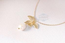 Orchideen Anhänger - Halskette mit Perle