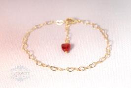 Zartes Herzarmband - mit rotem Herz