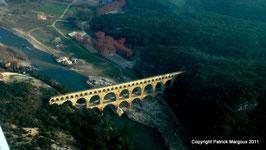 Option 2 :  25 minute de vol en ULM Le vol idéal pour découvrir la région du Pont du Gard, un cadeau d'anniversaire qui ne s'oubliera jamais