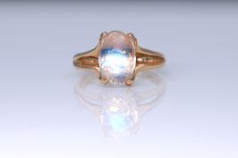 Mondstein-Ring aus Roségold mit blauem Regenbogen- Mondstein