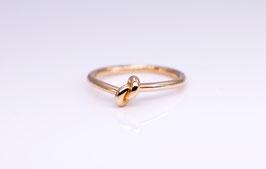 Knoten-Ring aus Rot-Gold