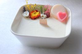 Bougie végétale fleurie, parfum thé jasmin