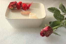 Bougie végétale fleurie, parfum bûches 3 chocolats