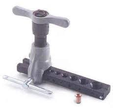 Cartellatrice manuale per tubi in rame