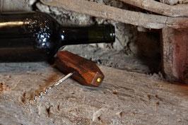 Weinöffner aus einem Eichen-Fachwerknagel & Blattgold