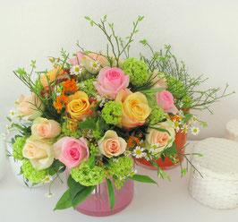 Rosen und Frauenmantel