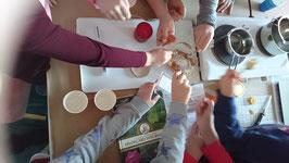 Naturkosmetik Workshop mit Bienenwachs, Propolis und heimischen Gartenkräutern