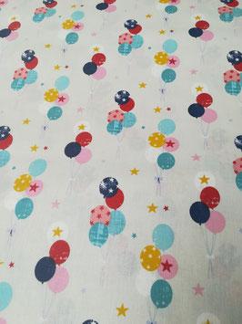 Baumwolle weiß mit bunten Luftballons: 11,90€/m