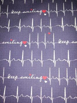Baumwolle dunkelblau mit EKG Kurven/Herz/keep smiling, Grundpreis: 11,90€/m