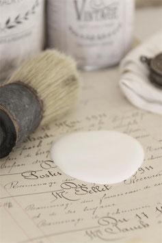 Jeanne d'Arc Living's Vintage Paint: Soft cream, 700ml