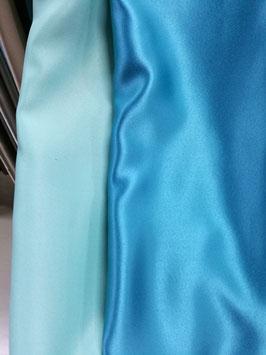 Блэкаут бирюзово-голубой.