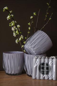 Glazen lila potten