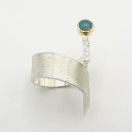 "Ring mit Welo Opal - ""Steg-Ring"""