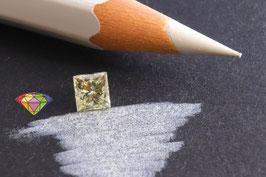 Enchanced Diamond 0,56 Carat J VVS2 IGL certified