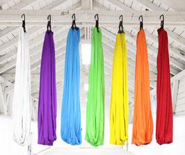 Yogaluft® Aerial Yoga Tuch Set – 3,80 x 2,80 Meter – mit Zubehör (2 Rundschlingen, 2 Daisy Chains, 2 Karabiner)