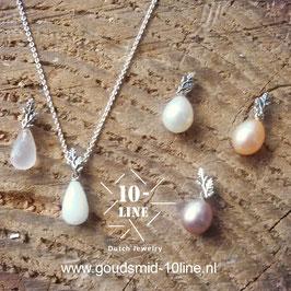 Mini oak leafs silver pendant