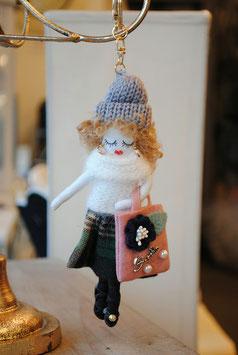 ドールチャームホルダー オシャレ ドールチャーム チャームホルダー 人形 ニット帽 タータンチェック グレー アビ子 48414KH-GR