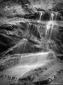 """Wasserfall """"Zeit zum Träumen"""" in schwarz/weiß"""