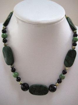 Edelsteinkette Jade - Serpentin - Turmalin