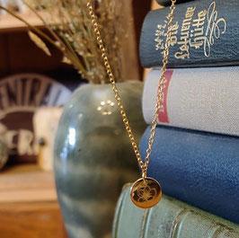 Kette mit kleinem Blüten-Amulett vergoldet