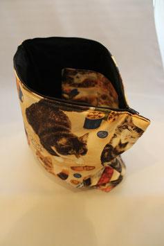 Kultur oder Projekttasche Katze mit Nähutensilien