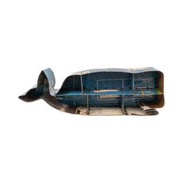 "Maritimes Wandregal ""Shabby Whale"" aus Metall"