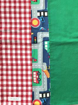 Autogarage vorne rot, hinten dgrün