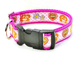 Halsband bayrisch Herz und Brezen pink mit Acetalschließe