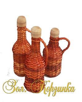 Бутылка плетенная