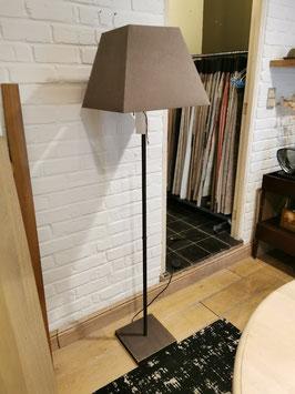 LAMPENVOET+ KAP