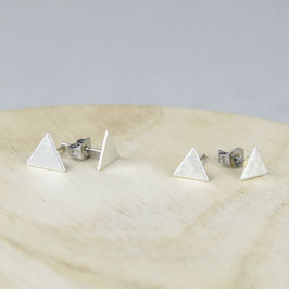 STUDS silver Triangle hammered or smooth