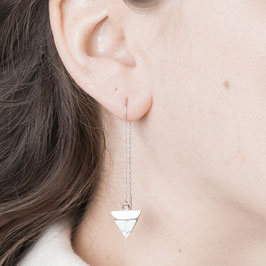 THREAD Earring Triangle Marble white