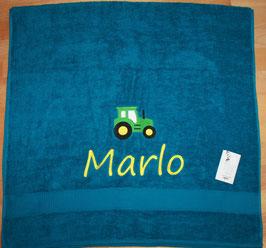Duschtuch mit Namen & Stickerei Traktor grün