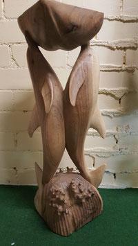 Delphine mit Holzschale