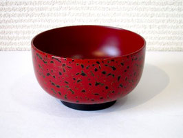赤い唐塗のお椀