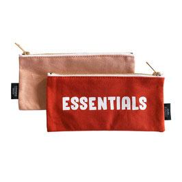 Ritszakje/ pennenzak: Essentials