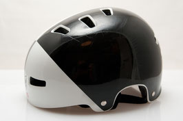 TSG Helm Black/White l/xl